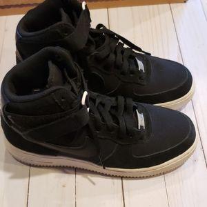 Nike Sz M6 AF1 sneakers